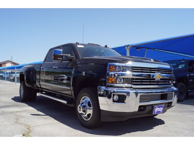 2018 Silverado 3500 Crew Cab 4x4, Pickup #182232 - photo 3