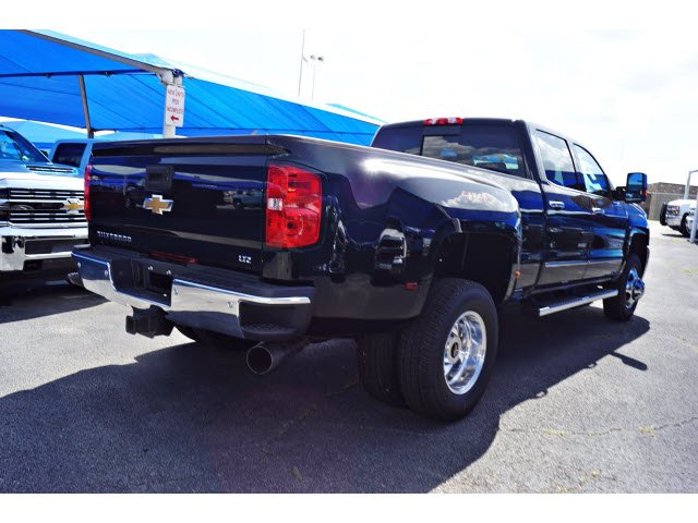 2018 Silverado 3500 Crew Cab 4x4,  Pickup #182340 - photo 4