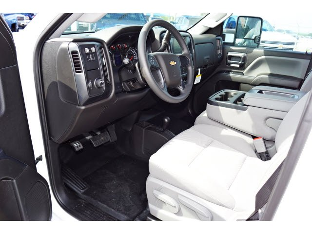 2018 Silverado 2500 Double Cab 4x4,  Cab Chassis #182370 - photo 3