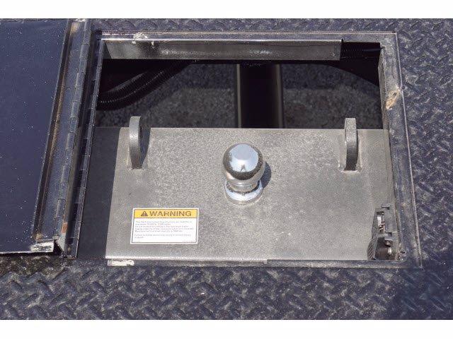 2020 Chevrolet Silverado 5500 Crew Cab DRW RWD, Knapheide PGNB Gooseneck Platform Body #203236 - photo 14