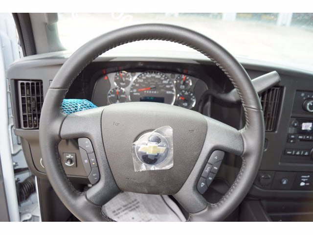 2020 Chevrolet Express 3500 RWD, Supreme Iner-City Dry Freight #203495 - photo 18