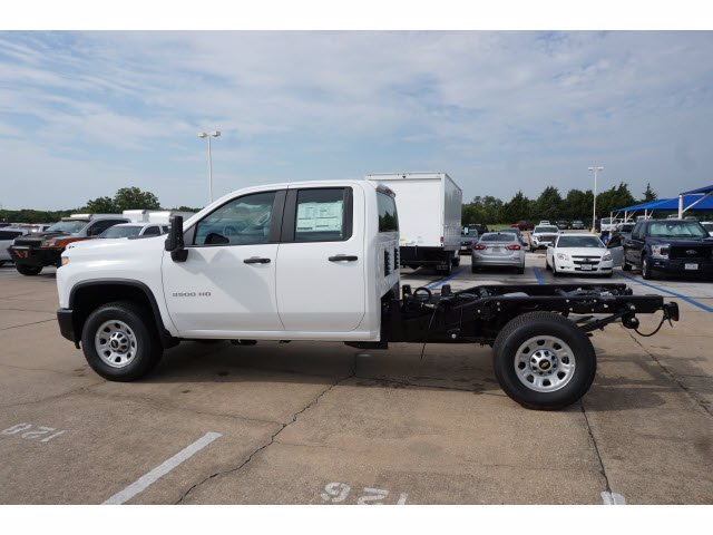 2020 Chevrolet Silverado 3500 Double Cab RWD, Cab Chassis #203846 - photo 8