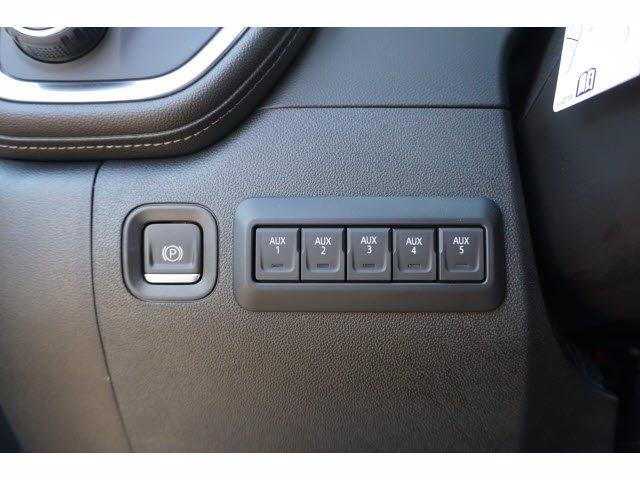 2020 Chevrolet Silverado 3500 Crew Cab DRW 4x4, CM Truck Beds SK Model Platform Body #203976 - photo 15