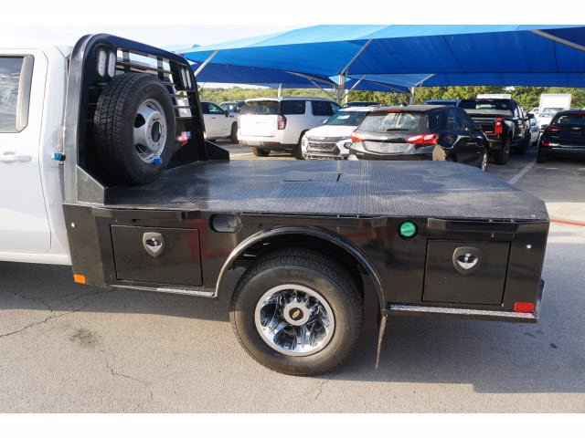 2020 Chevrolet Silverado 3500 Crew Cab DRW 4x4, CM Truck Beds SK Model Platform Body #203976 - photo 9