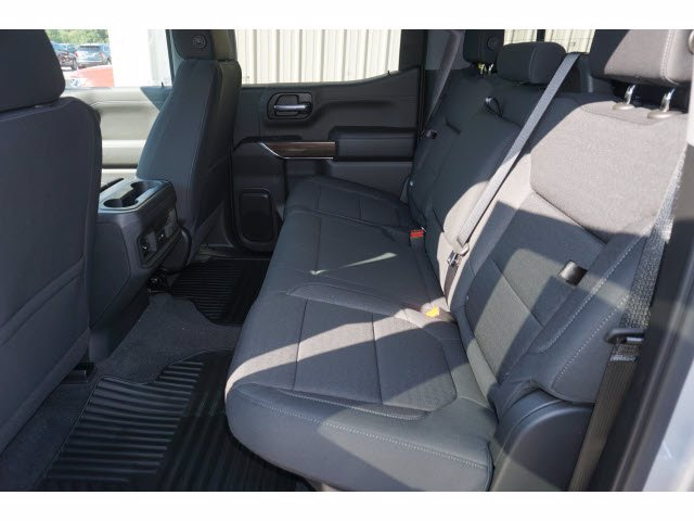 2020 Chevrolet Silverado 1500 Crew Cab 4x4, Pickup #204022 - photo 9