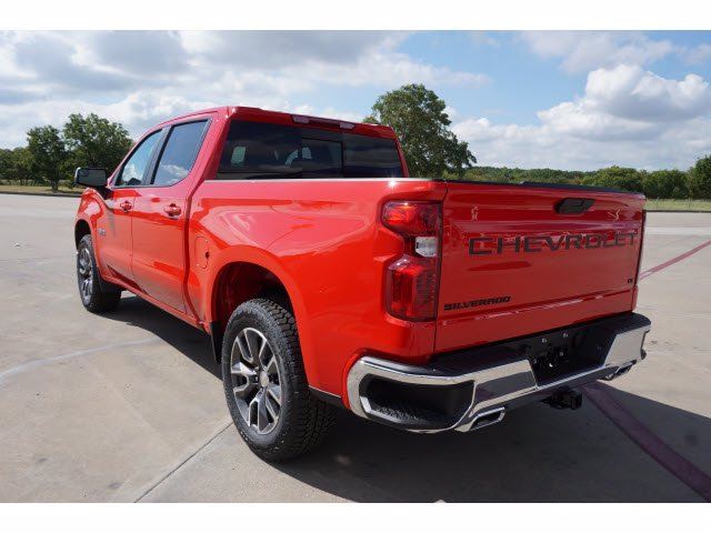 2020 Chevrolet Silverado 1500 Crew Cab 4x4, Pickup #204035 - photo 2