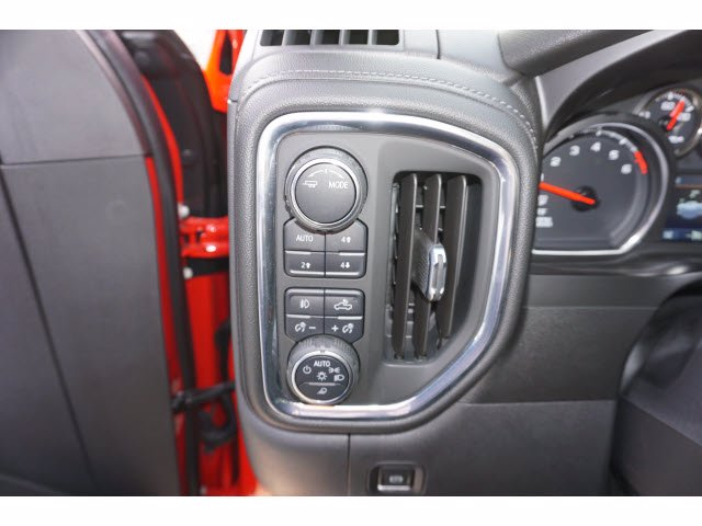 2020 Chevrolet Silverado 1500 Crew Cab 4x4, Pickup #204123 - photo 15