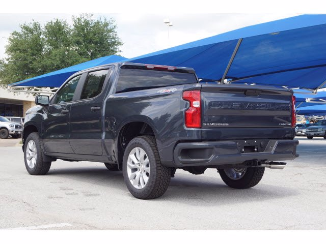 2020 Chevrolet Silverado 1500 Crew Cab 4x4, Pickup #204152 - photo 2