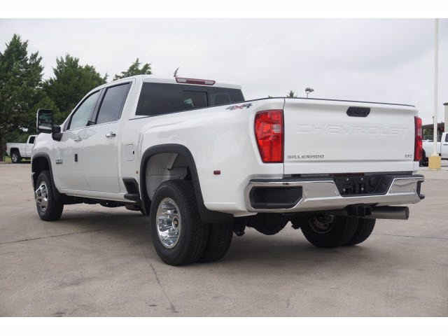 2020 Chevrolet Silverado 3500 Crew Cab 4x4, Pickup #204186 - photo 2