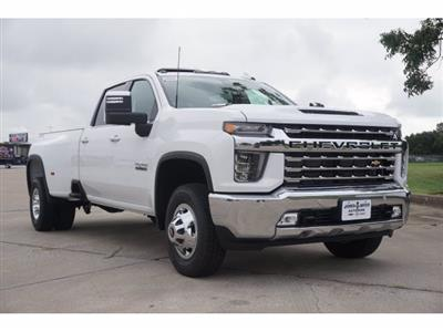 2020 Chevrolet Silverado 3500 Crew Cab 4x4, Pickup #204186 - photo 3