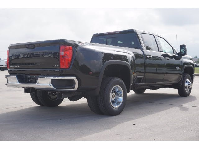 2020 Chevrolet Silverado 3500 Crew Cab 4x4, Pickup #204187 - photo 4