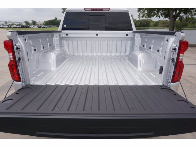 2020 Chevrolet Silverado 1500 Crew Cab 4x4, Pickup #204189 - photo 19
