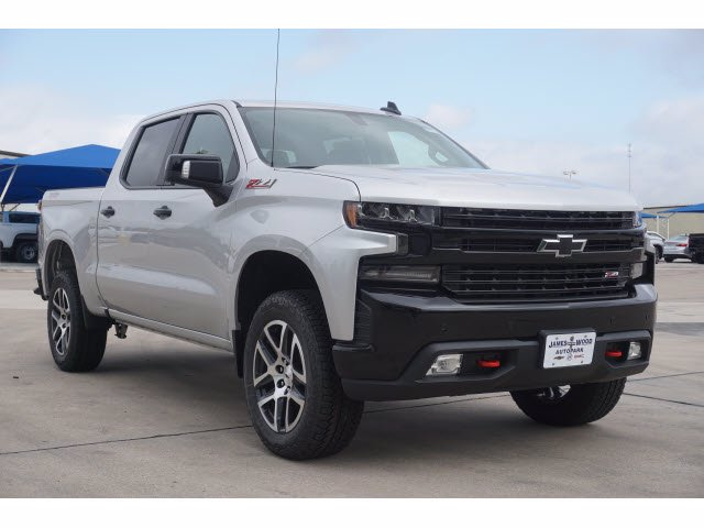 2020 Chevrolet Silverado 1500 Crew Cab 4x4, Pickup #204189 - photo 3