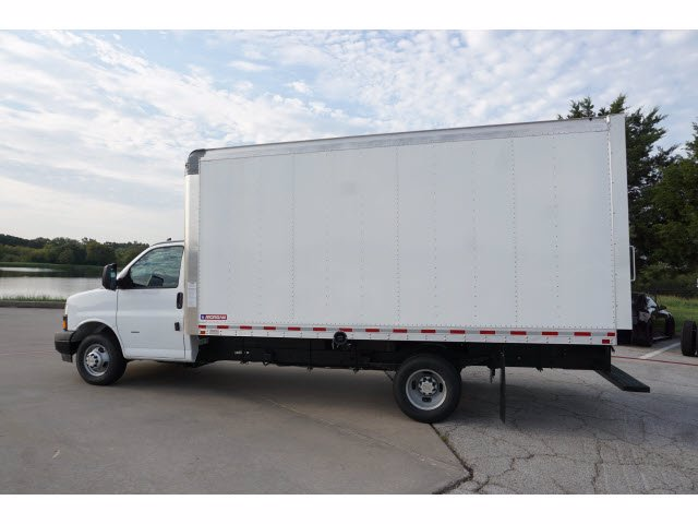 2020 Chevrolet Express 3500 RWD, Morgan Parcel Aluminum Cutaway Van #204196 - photo 8