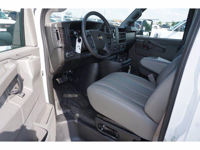 2020 Chevrolet Express 3500 RWD, Cutaway Van #204197 - photo 10