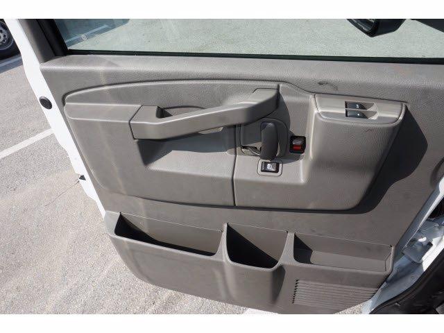2020 Chevrolet Express 3500 RWD, Cutaway Van #204197 - photo 19