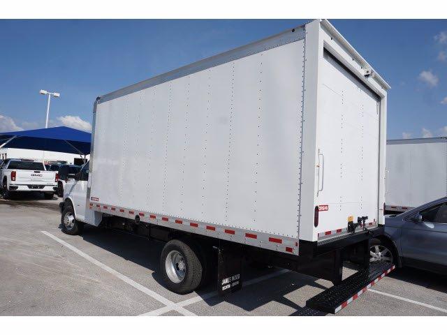 2020 Chevrolet Express 3500 RWD, Cutaway Van #204197 - photo 2