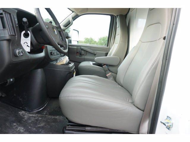 2020 Chevrolet Express 3500 RWD, Morgan Parcel Aluminum Cutaway Van #204198 - photo 12