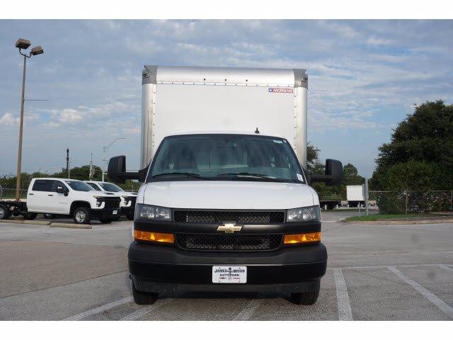 2020 Chevrolet Express 3500 RWD, Morgan Parcel Aluminum Cutaway Van #204198 - photo 3