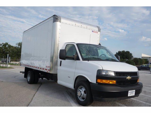2020 Chevrolet Express 3500 RWD, Morgan Parcel Aluminum Cutaway Van #204198 - photo 4