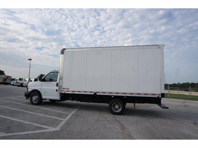 2020 Chevrolet Express 3500 RWD, Morgan Parcel Aluminum Cutaway Van #204198 - photo 8