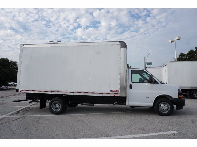 2020 Chevrolet Express 3500 RWD, Morgan Parcel Aluminum Cutaway Van #204199 - photo 5