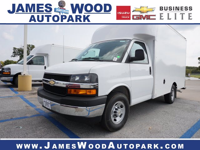 2020 Chevrolet Express 3500 4x2, Supreme Cutaway Van #204207 - photo 1