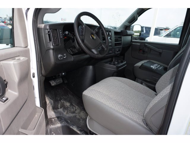 2020 Chevrolet Express 3500 RWD, Supreme Cutaway Van #204207 - photo 10