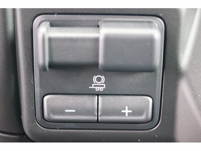 2020 Chevrolet Silverado 1500 Crew Cab 4x2, Pickup #204274 - photo 12