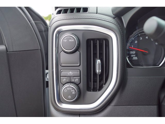 2020 Chevrolet Silverado 1500 Crew Cab 4x2, Pickup #204274 - photo 15