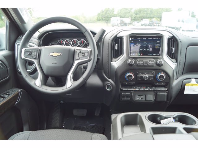 2020 Chevrolet Silverado 1500 Crew Cab 4x2, Pickup #204274 - photo 5