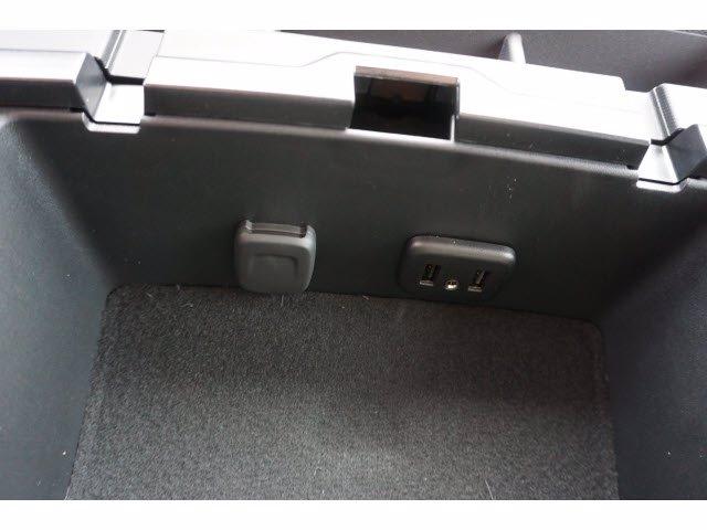 2020 Chevrolet Silverado 5500 Crew Cab DRW RWD, Knapheide PGNB Gooseneck Platform Body #204363 - photo 19