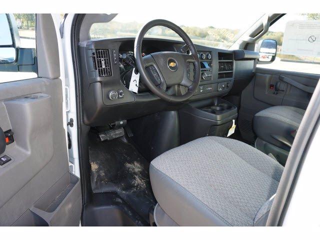 2020 Chevrolet Express 3500 4x2, Cutaway Van #204665 - photo 12