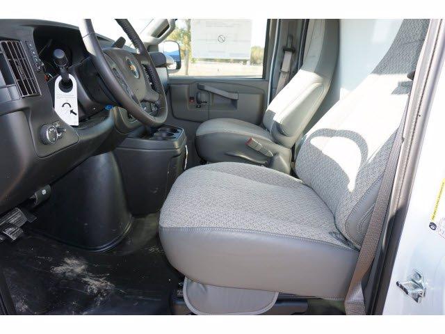 2020 Chevrolet Express 3500 4x2, Cutaway Van #204665 - photo 13