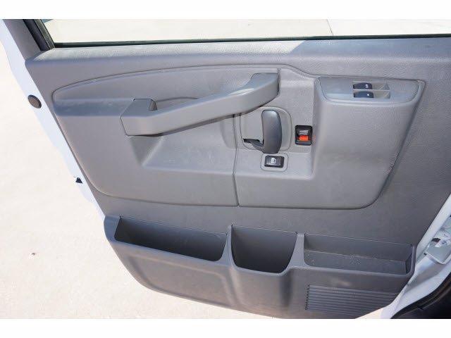 2020 Chevrolet Express 3500 4x2, Cutaway Van #204665 - photo 14