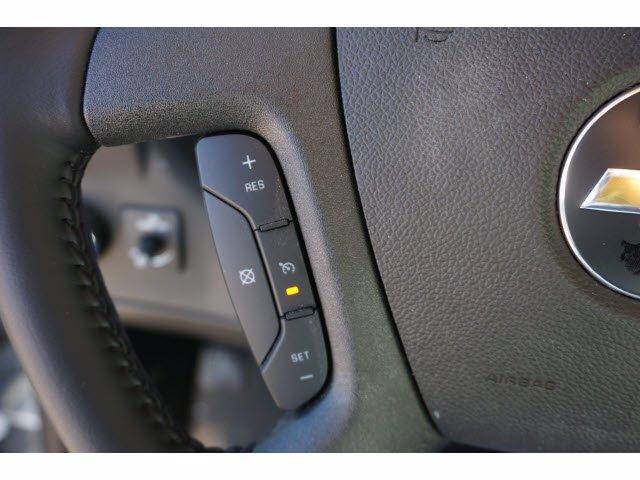 2020 Chevrolet Express 3500 4x2, Cutaway Van #204665 - photo 15