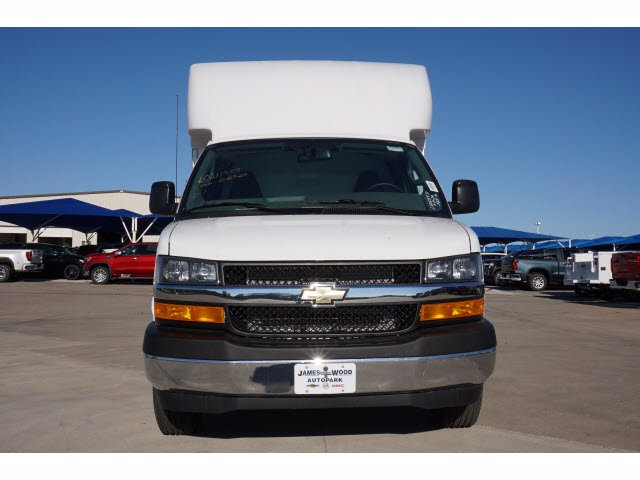 2020 Chevrolet Express 3500 4x2, Cutaway Van #204665 - photo 3