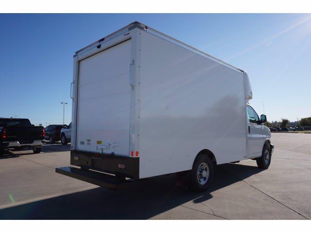 2020 Chevrolet Express 3500 4x2, Cutaway Van #204665 - photo 6