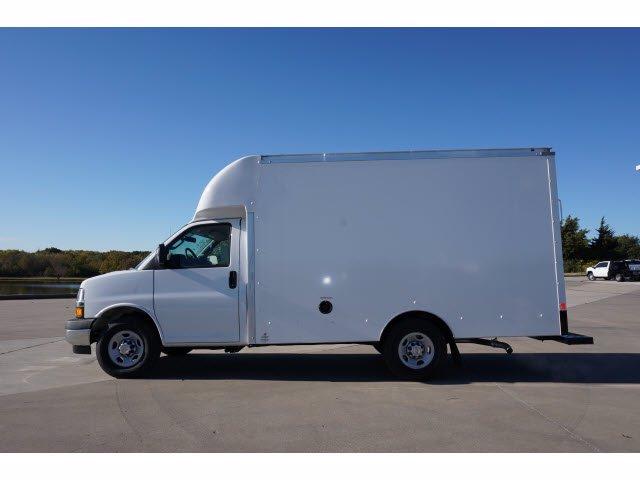 2020 Chevrolet Express 3500 4x2, Cutaway Van #204665 - photo 8