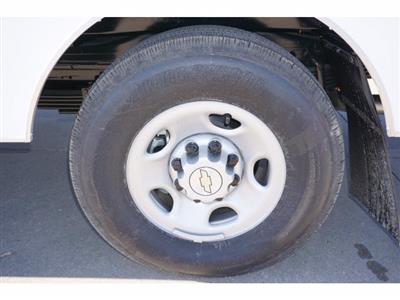 2020 Chevrolet Express 3500 4x2, Cutaway Van #204665 - photo 11