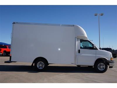 2020 Chevrolet Express 3500 4x2, Cutaway Van #204665 - photo 5