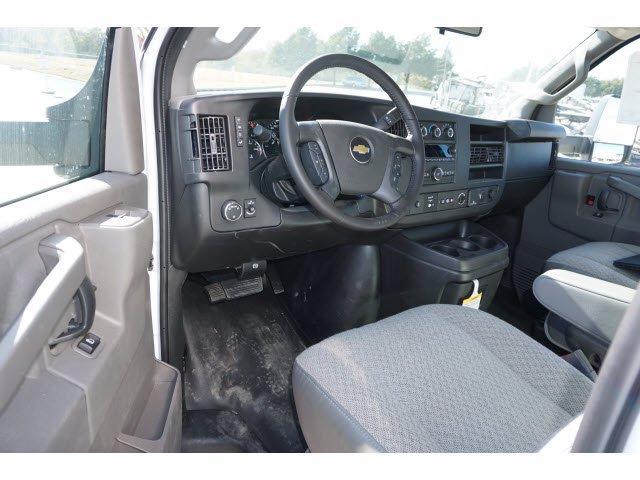 2020 Chevrolet Express 3500 4x2, Cutaway Van #204669 - photo 11