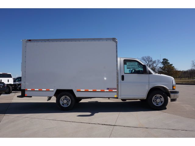2020 Chevrolet Express 3500 4x2, Cutaway Van #204669 - photo 5