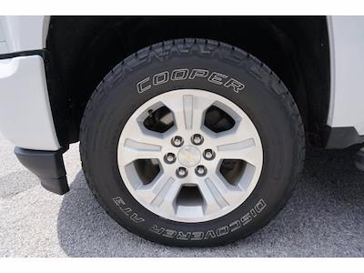 2017 Chevrolet Silverado 1500 Crew Cab 4x4, Pickup #204737C1 - photo 18