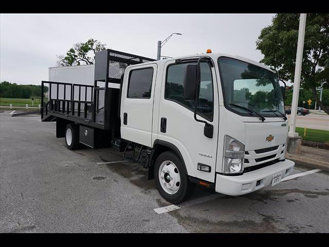2020 Chevrolet LCF 4500 4x2, RhinoPro Truck Outfitters Dovetail Landscape #204815 - photo 3