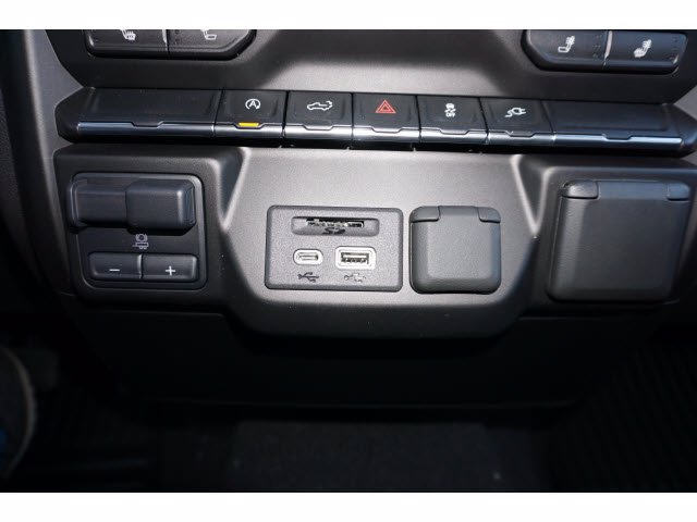 2021 Chevrolet Silverado 1500 Crew Cab RWD, Pickup #210268 - photo 13