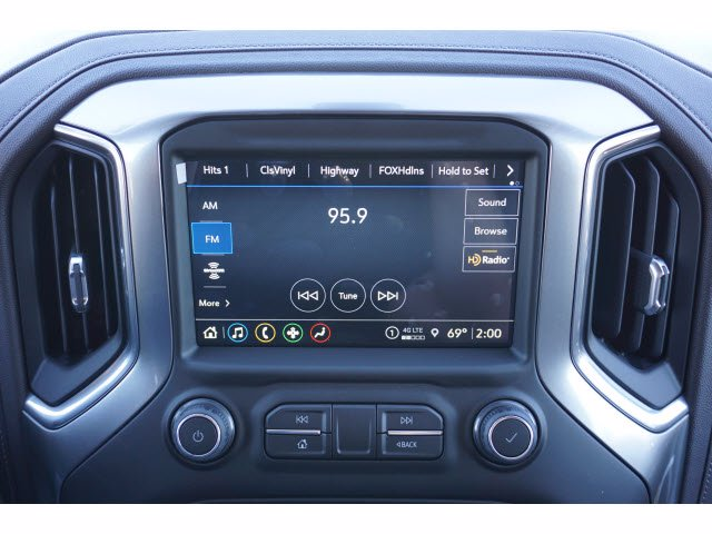 2021 Chevrolet Silverado 1500 Crew Cab 4x2, Pickup #210434 - photo 5