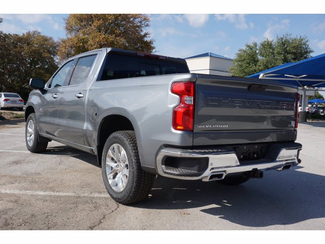 2021 Chevrolet Silverado 1500 Crew Cab 4x4, Pickup #210443 - photo 2
