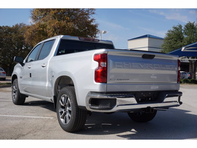 2021 Chevrolet Silverado 1500 Crew Cab 4x2, Pickup #210517 - photo 2