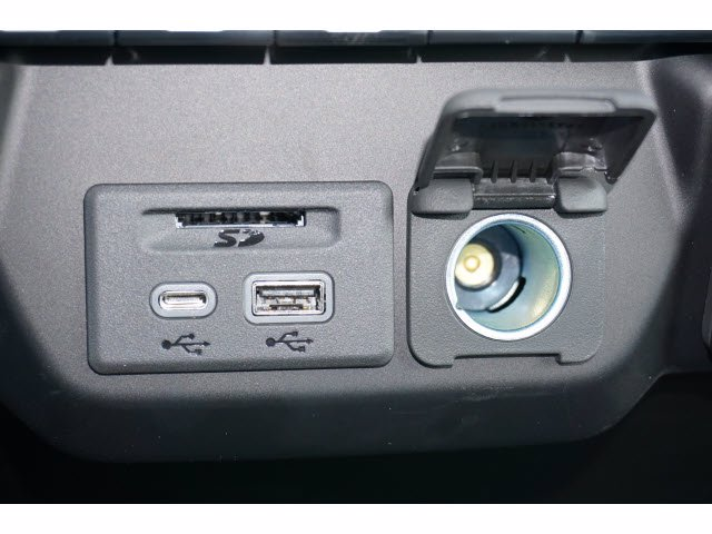 2021 Chevrolet Silverado 1500 Crew Cab 4x2, Pickup #210541 - photo 12